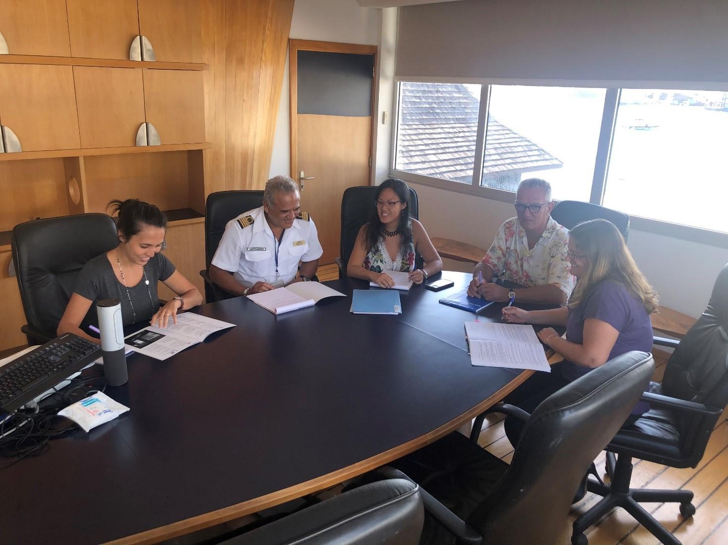 Jean-Paul Le Caill et la direction du Port autonome de Papeete