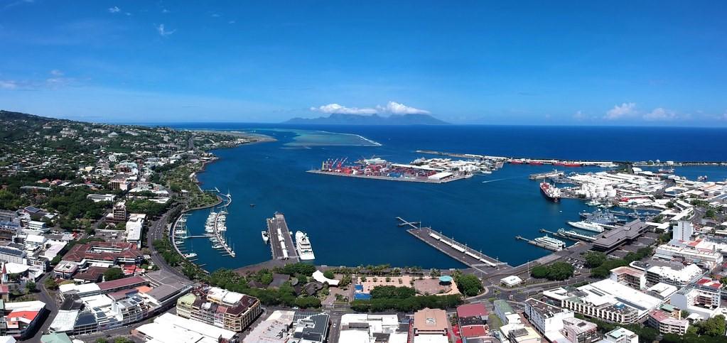 Zone portuaire de Papeete