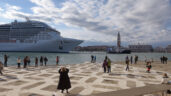 Desviados los megacruceros de Venecia (Italia) al puerto industrial de Marghera